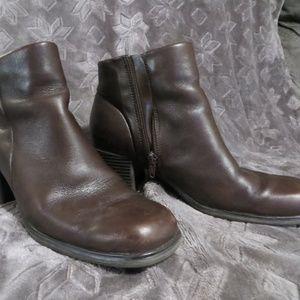 White Mountain Brown Zipper Ankle Boots